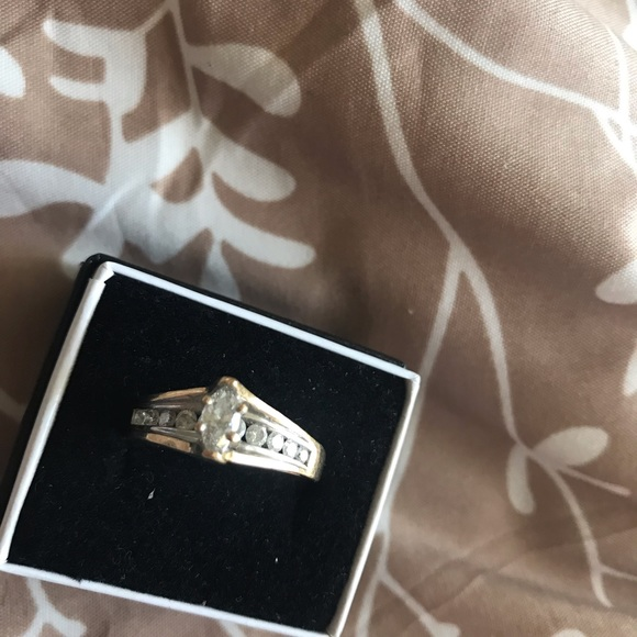 Zales Jewelry - Pure heavy 14k gold ring with real diamonds
